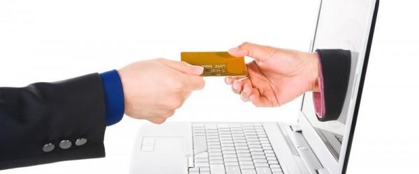 Banques en ligne, le match : contraintes versus avantages